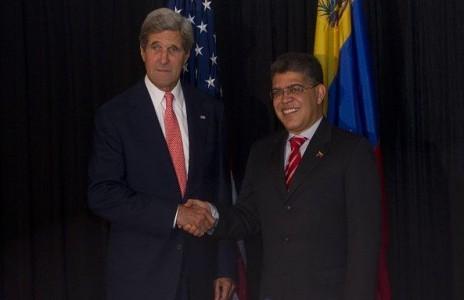 """El secretario de Estado de EE.UU., John Kerry, anunció este miércoles que su país y Venezuela reabrirán el diálogo """"al más alto nivel"""