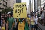 Protesto na avenida Paulista pede impeachment de Dilma Rouseff