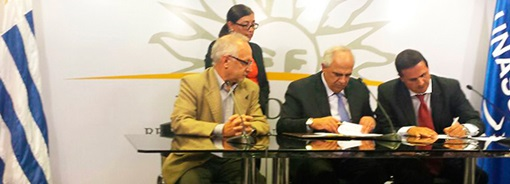 UNASUR-y-Junta-Nacional-de-Drogas-de-Uruguay-firman-Carta-Compromiso