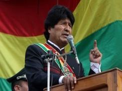 Evo-Morales-bandera-e1434317699655-320×212
