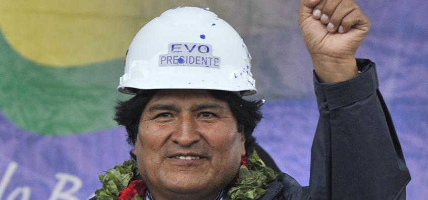 Evo-Morales-campaigns-for-012