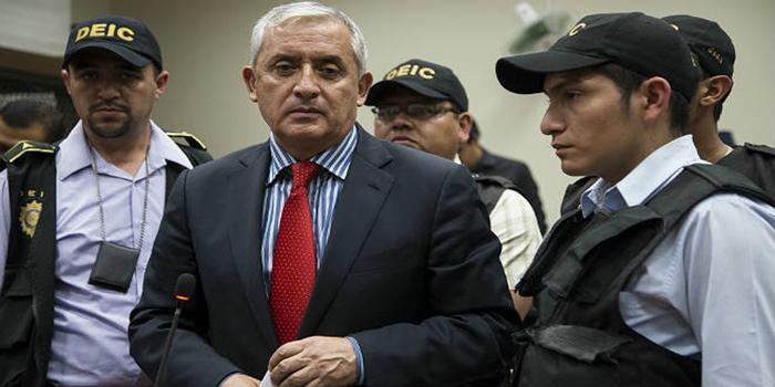 expresidente-guatemala-otto-perez-molina-entra-prision-1441356099683
