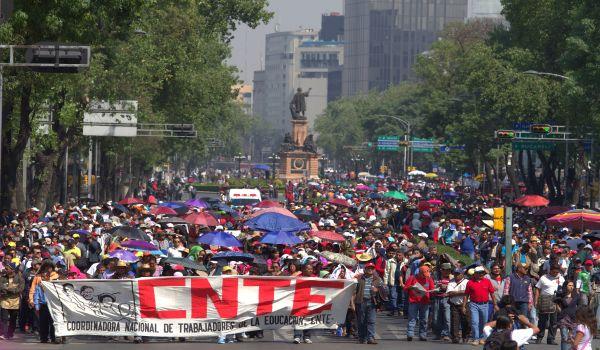 551775_cnte-df-protesta-reforma-educativa