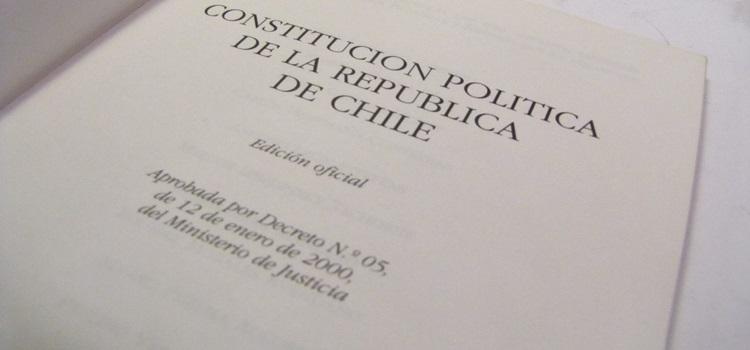 constitucion-politica-de-la-republica-de-chile-13307-MLC38507478_864-F