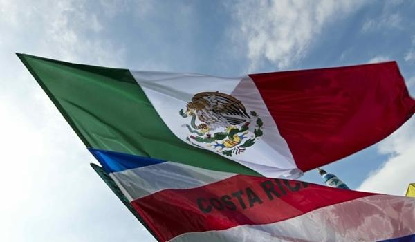 las-banderas-de-mexico-y-costa-rica