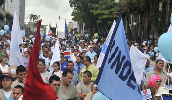 manifestacion-San-Jose-ARCHIVO-LN_LNCIMA20151016_0021_5