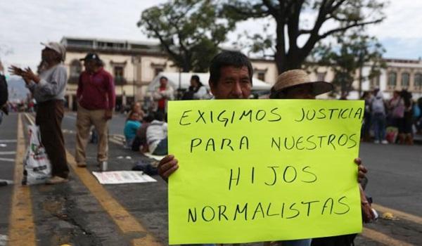 manifestacion_padres_de_familia_normalistas_y_cnte_26206989_0