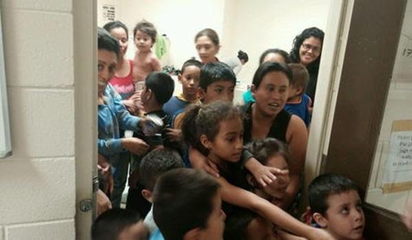 TEXAS PIDE 30 MILLONES AL GOBIERNO EEUU ANTE CRISIS DE NIÑOS EN LA FRONTERA