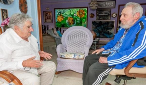 8067-Fidel-con-Mujica