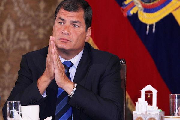 Ecuador-Rafael-Correa-Unidos-desconfianza_LNCIMA20140205_0129_28