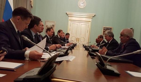 Medvedev-señala-que-perspectiva-de-las-relaciones-entre-Rusia-y-Cuba-son-muy-buenas.-580×435