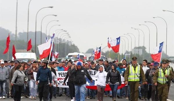 Pescadores-Chiloe-Chile-