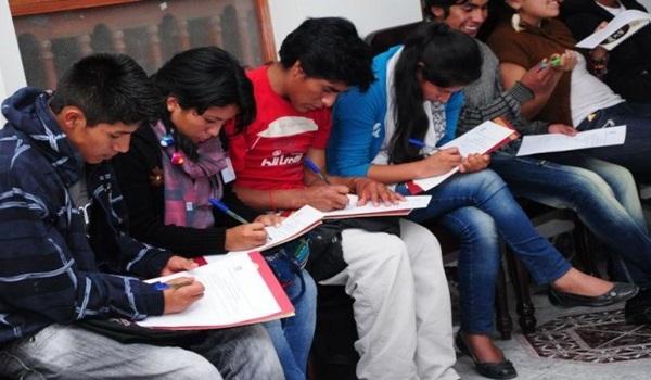 estudiantes-indígenas-600×393