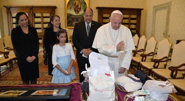 Guillermo-Francisco-Vaticano-Mercedes-Monica_LNCIMA20160530_0112_5