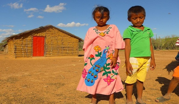 en-colombia-la-falta-de-agua-potable-esta-matando-miles-de-ninos-indigenas-body-image-1429832934