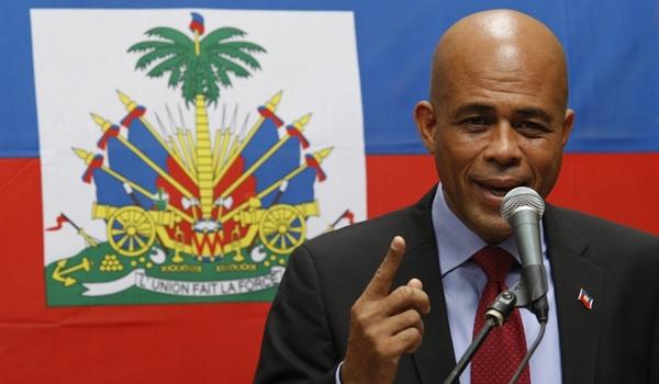 Michel-Martelly-de-la-chanson-a-l-election