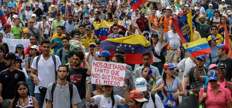 Opositores-venezolanos-protestan-lunes-Caracas_LNCIMA20170424_0059_5