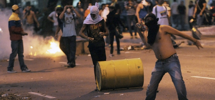 Preocupantes-muestras-violencia-Venezuela_TINIMA20130416_1338_3
