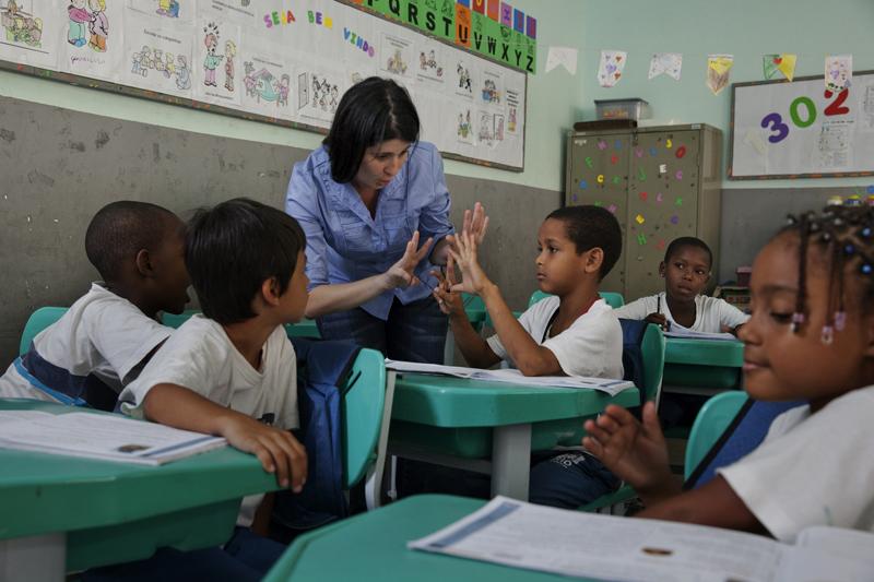 nodal brasil educacion