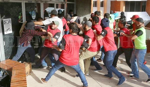 paramilitares-estudiantes-honduras