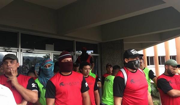 represion-contra-universitarios-en-protesta-4