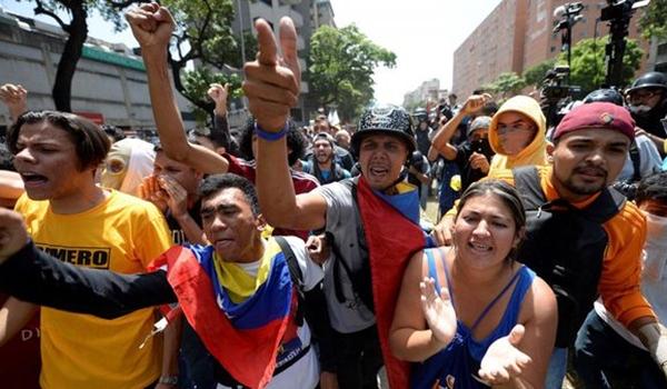 Venezuela-marcha-golpe-de-estado-1920-3-1024×575