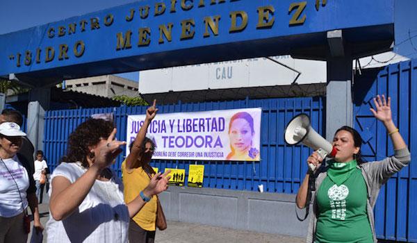 TEODORA-ABORTO