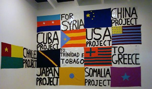 bienal banderas 600