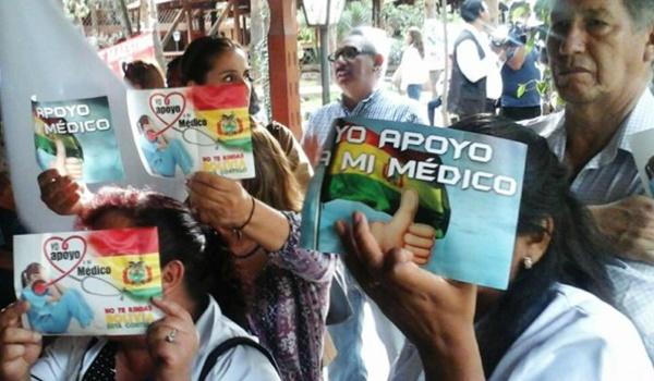 médicos + bolivia
