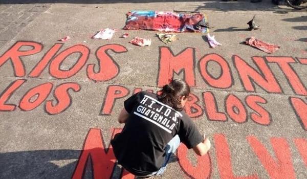 manifestacion_plaza_de_la_constitucion_