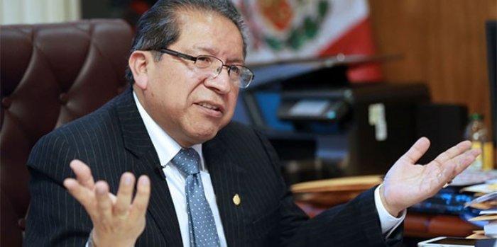 Cesar Hinostroza Perú