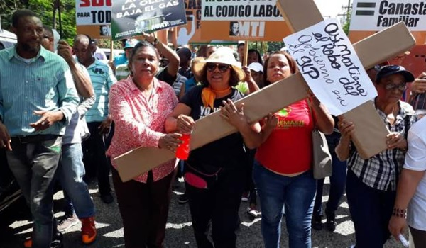 dominicana-protesta-combustible