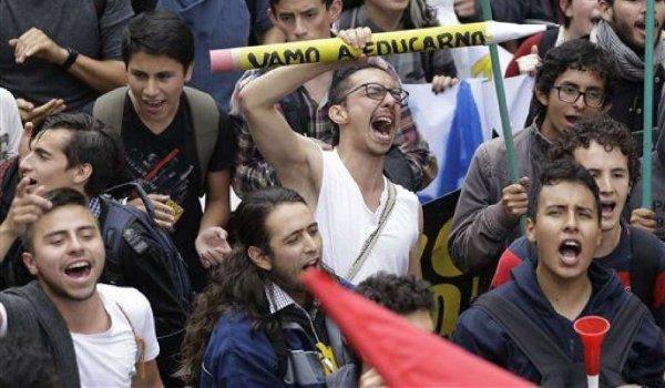 marcha universidad publica colombia