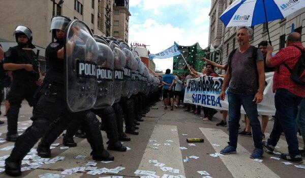 argentina represion