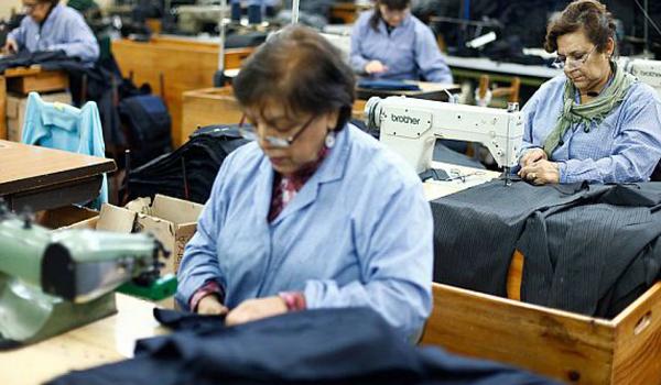endeudamiento sobre la espalda de las trabajadoras 2