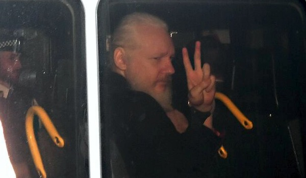 Assangee3