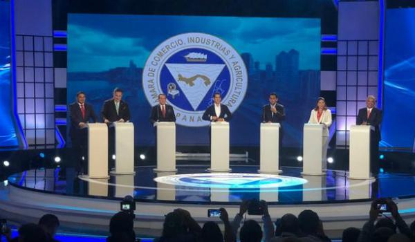 candidatos-presidenciales-confrontan-presidencial-FotoCortesia_MEDIMA20190410_0283_31